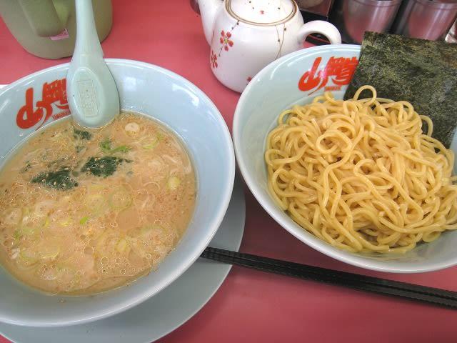 醤油つけ麺 680円
