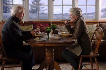 サラ・ポーリー ジャンル: アルツハイマー病の妻を持つ男の映画「アウェイ・フロム・ハー/君を想う