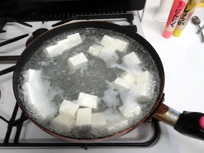 06月14日 豆腐を茹でます