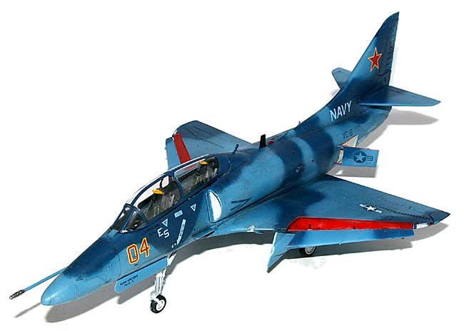 TA-4J スカイホーク 「アグレッサー」 スケール : 1/48スケ... 4J スカイホーク