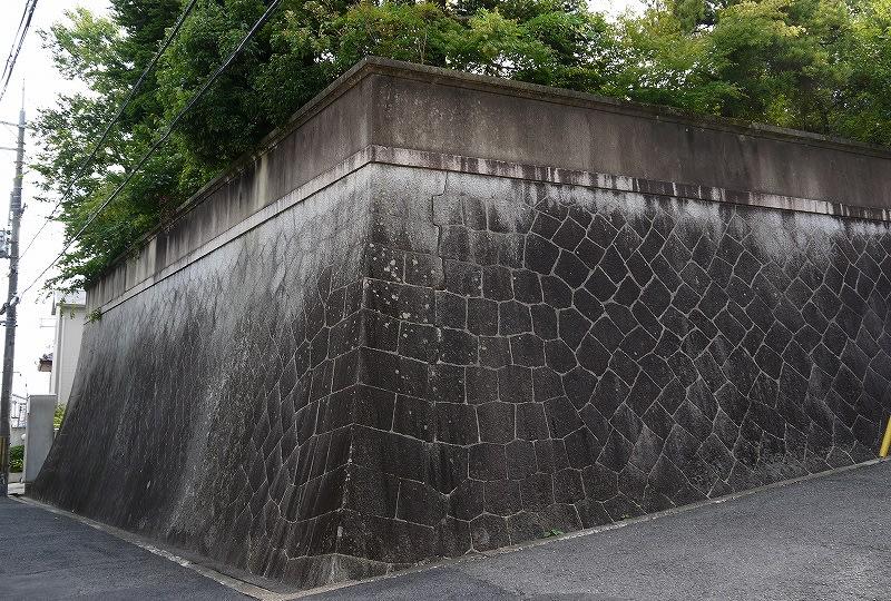 西田家住宅の石垣