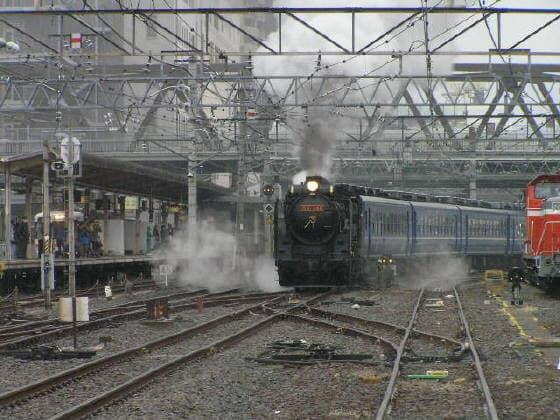 D51甲府駅