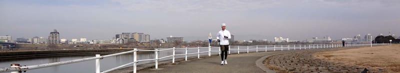 Jackie_jogging_along_yodo_riverside