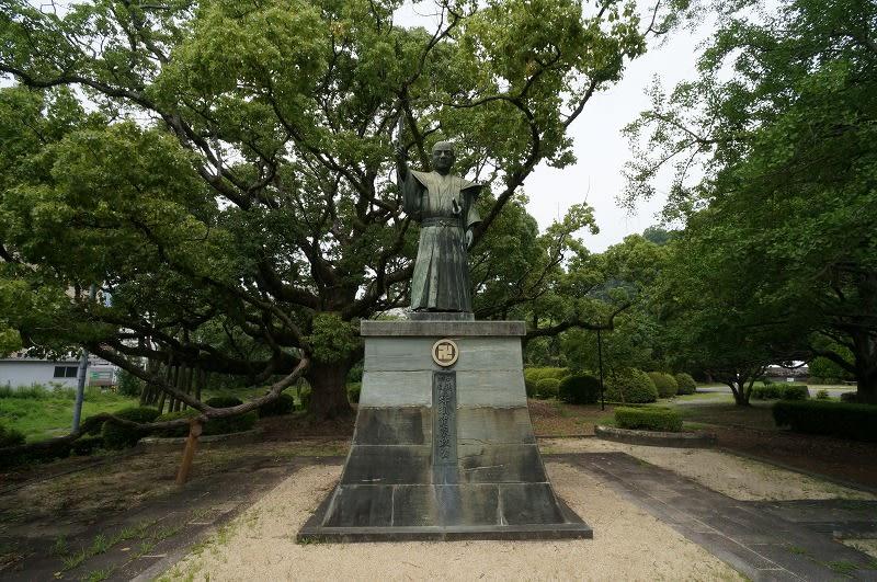 四国攻め後の1585年、秀吉は正勝に阿波一国を与えようとしますが、正勝... ROSSさんの大阪