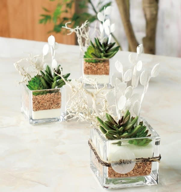 多肉植物 フェイクグリーン造花のガラス花器アレンジ