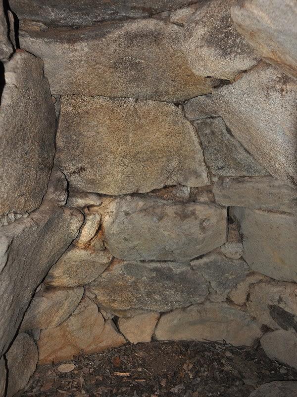 コヨシ古墳奥壁
