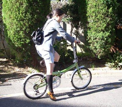 私 も 同じ 自転 車屋 さん に ...
