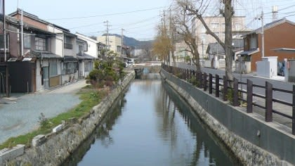 松江市内には松江城の堀割の ...