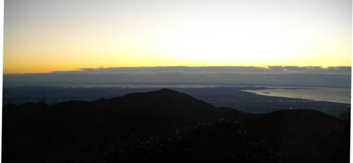 <塔ノ岳の夜明け> 風雨・富士山展望・紅葉の丹沢;塔ノ岳・丹沢山・鍋割... 風雨・富士山展望・