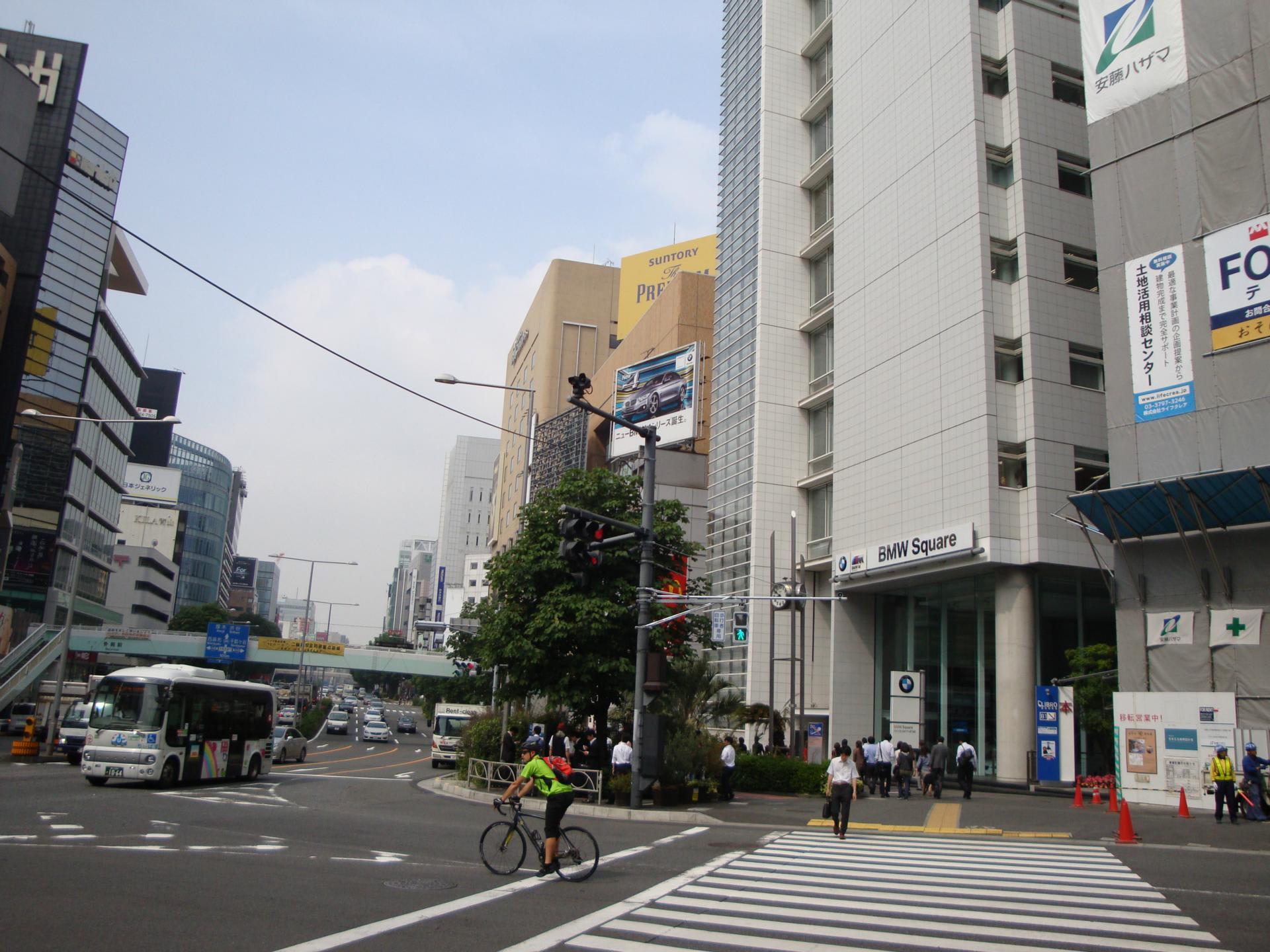 「外苑前駅 青山通り」の画像検索結果