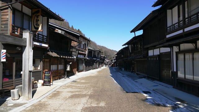 昔の建物が残る奈良井宿