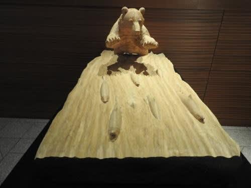 藤戸竹喜さんの作品 「群れる鮭を追う―秋」
