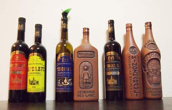 グルジアワインを並べた写真