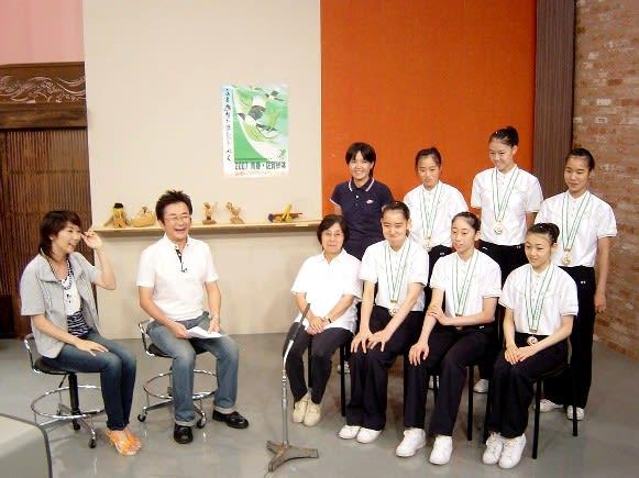 この日の総体企画コーナーは新体操で団体優勝を遂げた佐賀女子高の皆さんがス... かちかちワイド~
