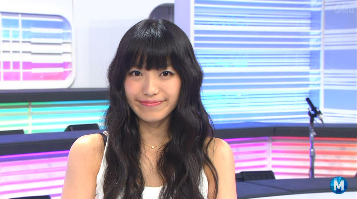 にっこりと微笑む可愛らしいmiwa