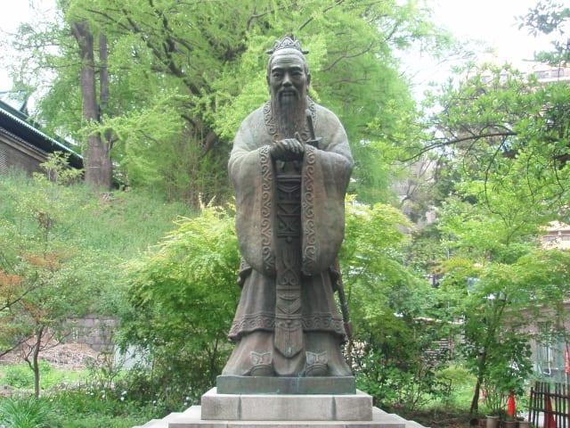 世界で一番高い「孔子像」(湯島聖堂) 湯島聖堂は、1690年、林羅山が...  つれづれなるまま