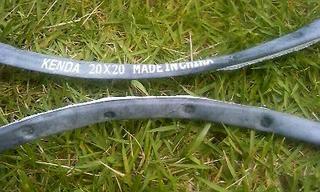 自転車の 自転車 リムテープ ママチャリ : テープを巻いたのだが?テープ ...