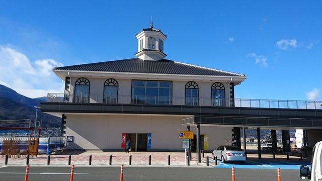 道の駅富士川の展望台のある建物
