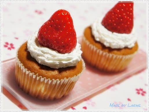 デコカップケーキ~ショートケーキ風味~