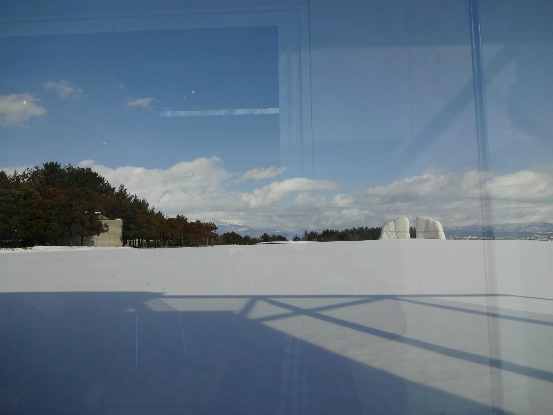 雪の酒田市美術館