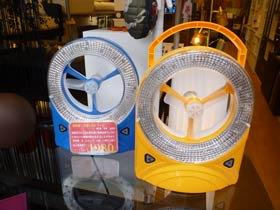 LEDライト付き、充電式扇風機