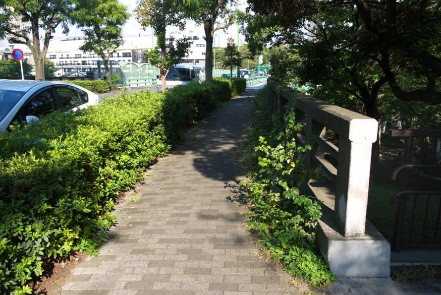 南青山から赤坂散策:根津美術館前から笄川の谷戸まで - 緑には、東京しかない