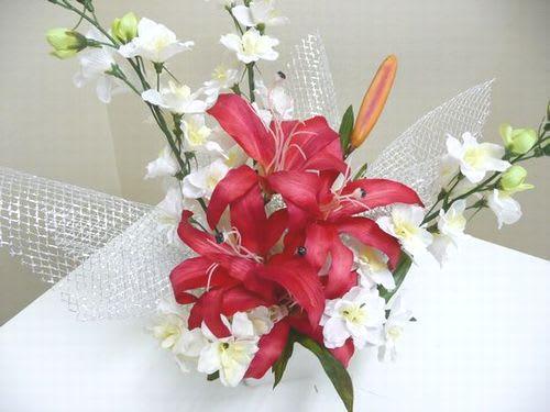 造花(ユリとデルフィニウムのアレンジ)2