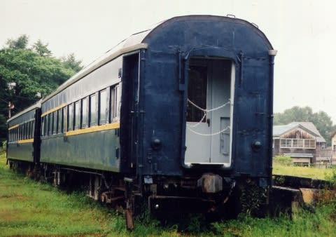 富内駅のオハフ33-1568
