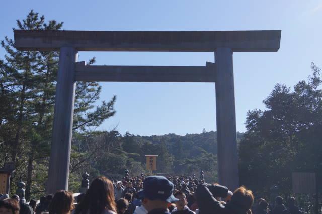伊勢神宮「内宮」に初詣に行ってきました〜(^^)