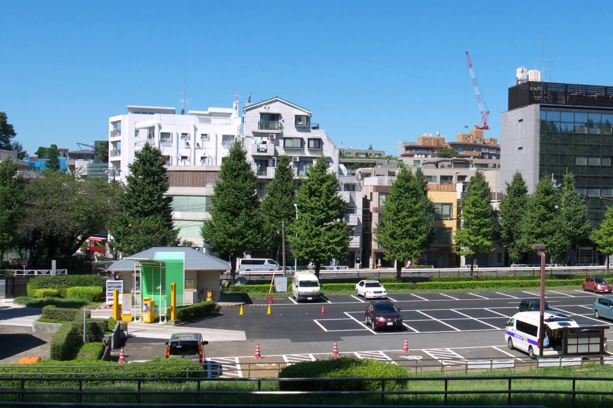 東京都内天サロスポット代々木公園の駐車場