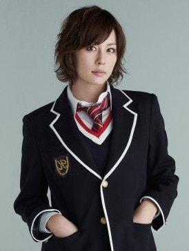 学生服の米倉涼子