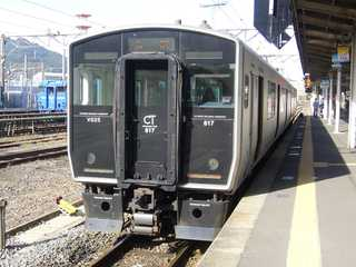 817系@長崎駅