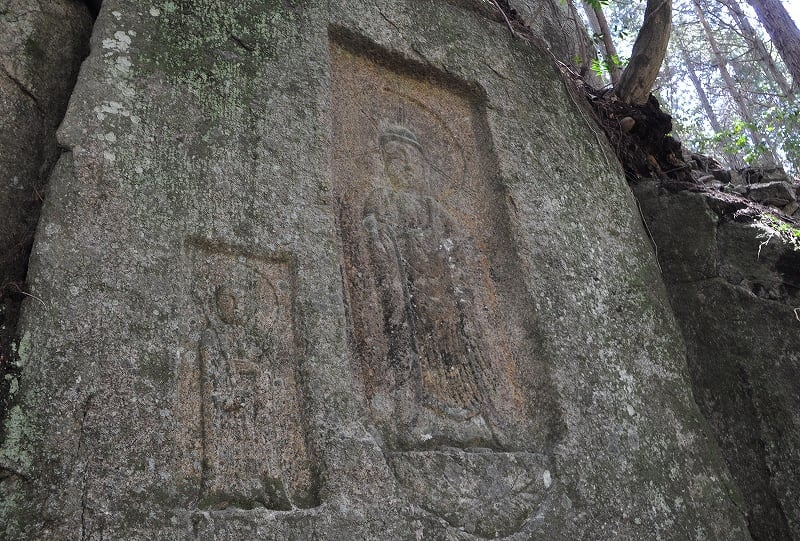 阿対の石仏