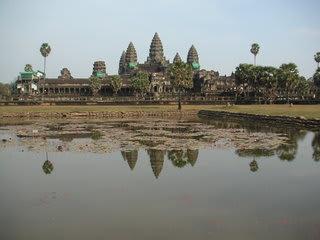 カンボジア観光省は、現在カンボジアを一言で表す英文観光キャッチフレーズ...