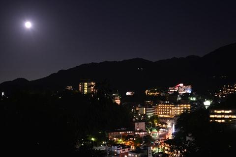 中秋の名月と有馬温泉の夜景