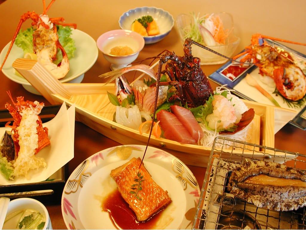 伊勢海老欲張りプラン5月末まで延長。 - 伊勢海老料理の宿と海鮮料理屋 <b>...</b>