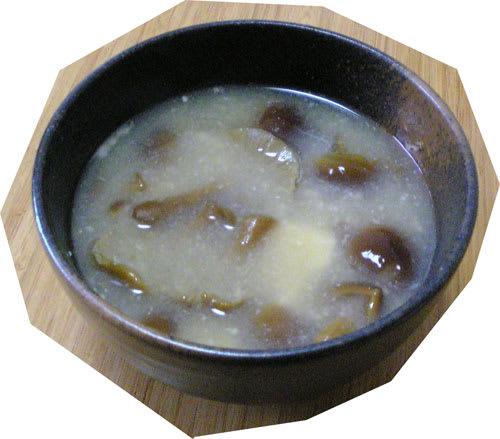 Namekomisoshiru