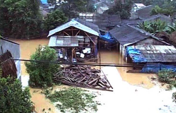 『この数日間、洪水はバック・カン省、カオ・バン省、ハザン省に大きな影響を... 北部で洪水、死者