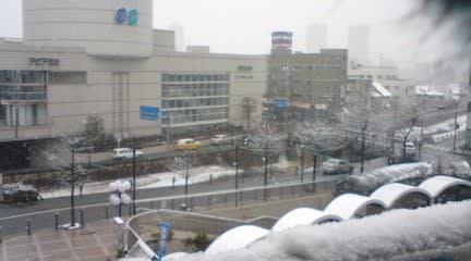 昨日の逆瀬川駅前