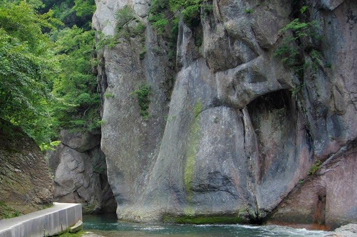 吹割渓・般若岩