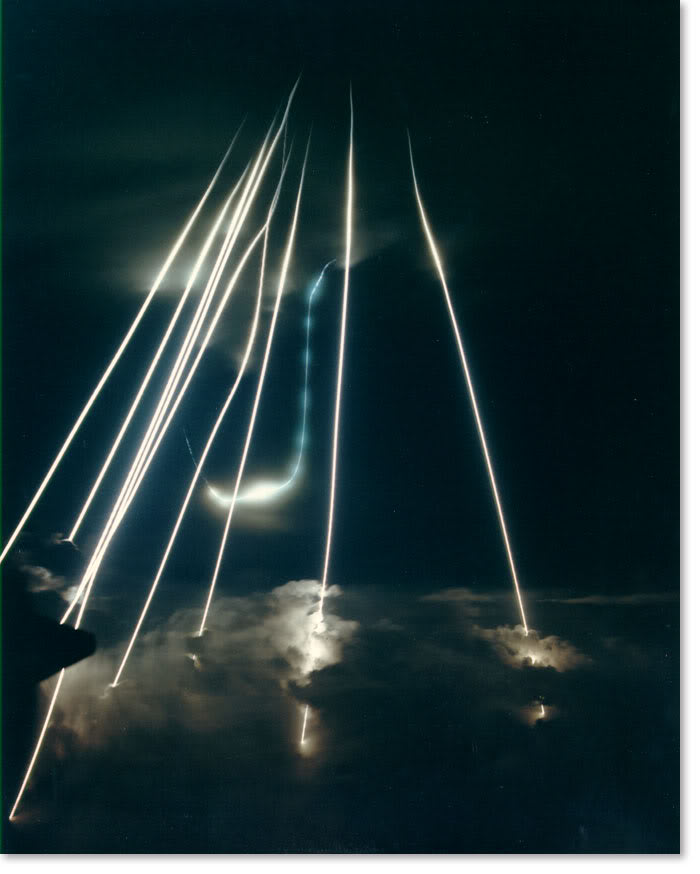 【防衛】 超速射・レールガン(電磁加速砲)を日本独自で開発へ 中露ミサイルを無力化 ★3©2ch.net YouTube動画>22本 ->画像>28枚