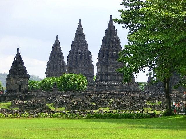 mataram chatrooms Indonesia dating chat rooms are full of  surakarta, java - cilegon, sulawesi - manado, lombok - mataram, java - yogyakarta, timor - kupang @wwwchat4younet .