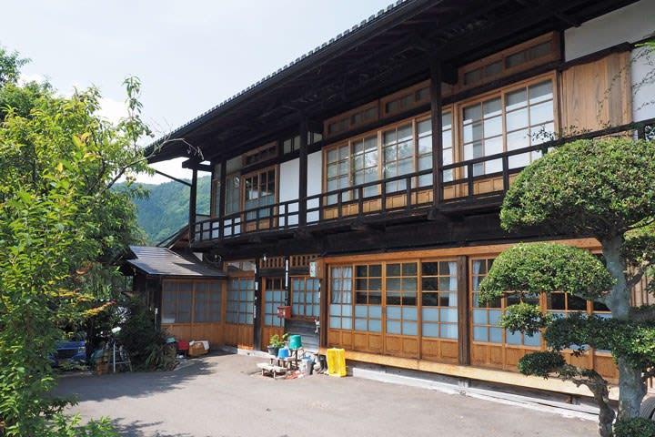 六合赤岩の住宅建築/