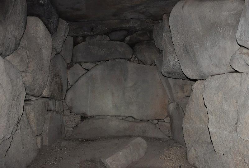 鹿高神社境内古墳後円奥壁