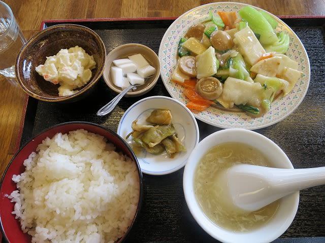 Aランチ(海鮮塩炒め)
