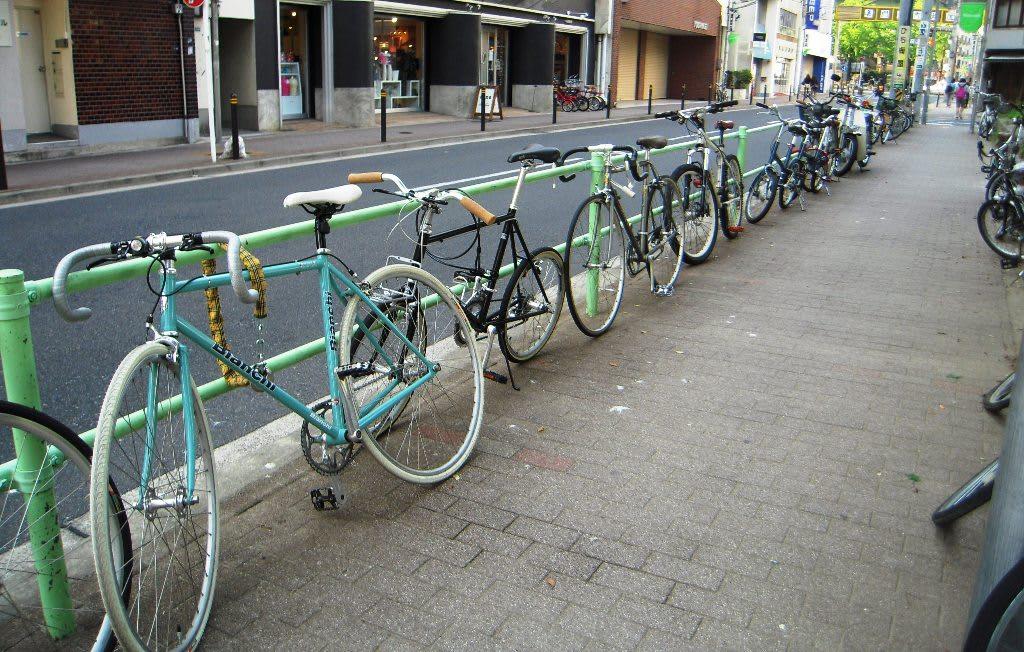 自転車の 車道 自転車 狭い : 自転車通勤認める企業へ - 熱き ...