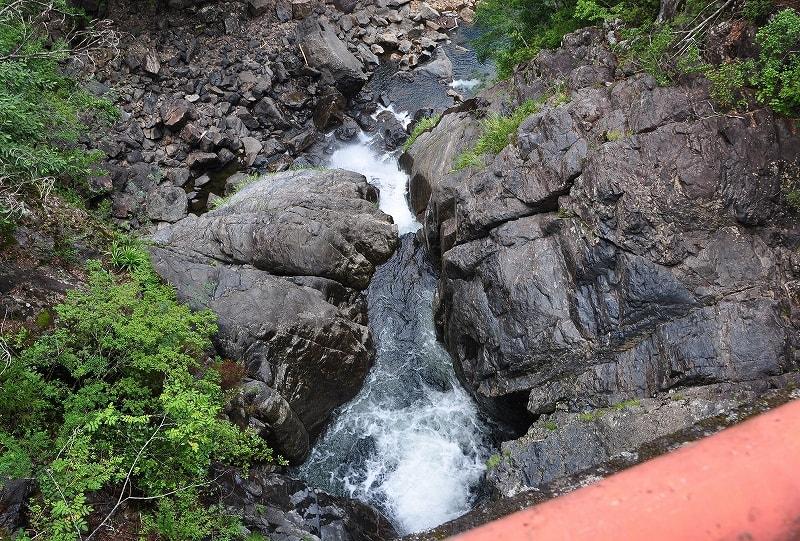 ツキ谷の滝
