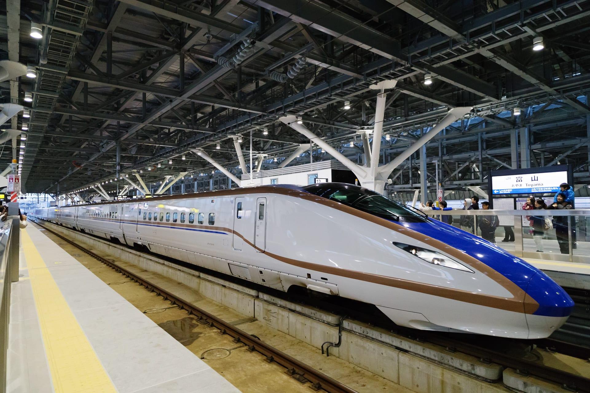 かがやき」はじめた新幹線 ...