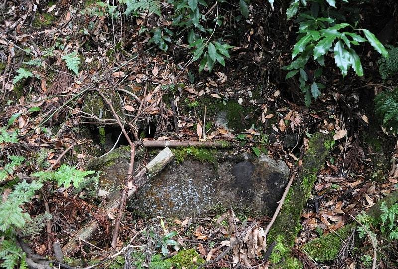 本郷八阪神社境内の古墳