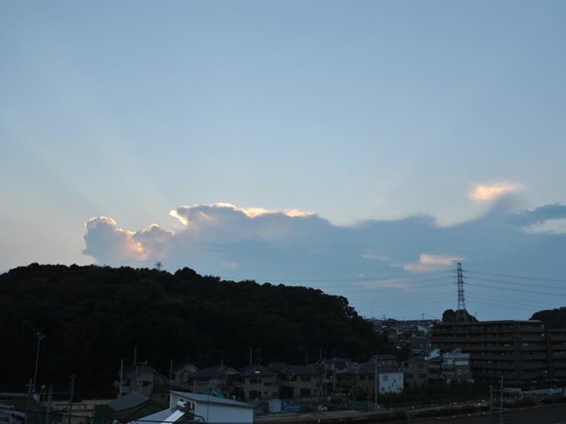 08月25日 夕方の光芒
